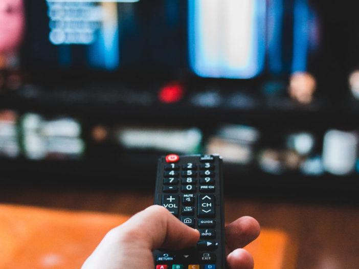Come guardare film e spettacoli con altre persone
